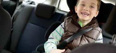 Długa podróż samochodem z dzieckiem – jak się na nią przygotować?