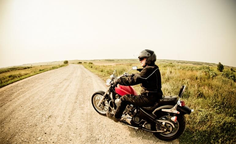 Wybieramy motocykl dla niskiej osoby