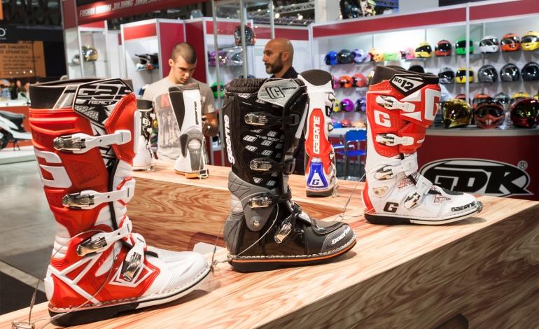Jak wybrać buty na motocykl?