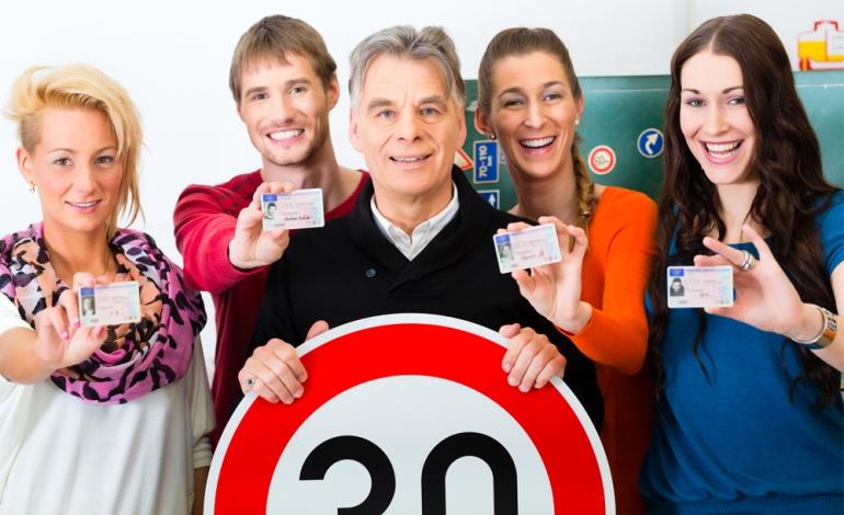 Co brać pod uwagę przy wyborze szkoły nauki jazdy?