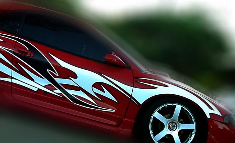 Oklejanie szyb samochodowych — przyciemnianie