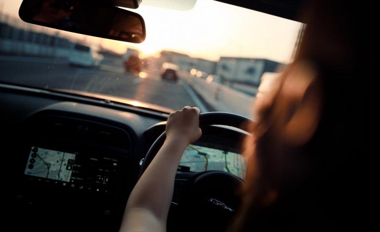 Czy opłaca się skorzystać z usług wypożyczalni samochodów?